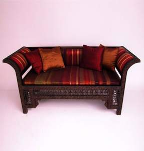Резные диваны и кресла в восточном стиле